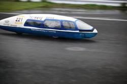 「η(エータ)」チームのマシンは昨年の同大会の優勝車