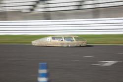 タイムアタックを走行する「長野高専 Vector」