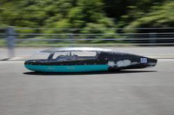 電力消費率1029km/kWhで完走した「長野高専 Helimes」