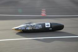 「e-kiden90分 ロングディスタンス」を走行する「長野高専 Reginetta-EV」