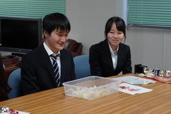 優勝チームの今村琴音さん(右)・掛川椋さん