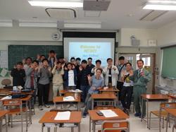 教室で (In a classroom)